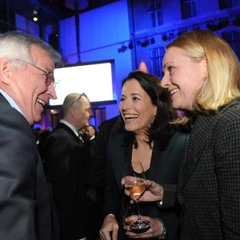 Anne Will und Miriam Meckel (r.) im Gespräch