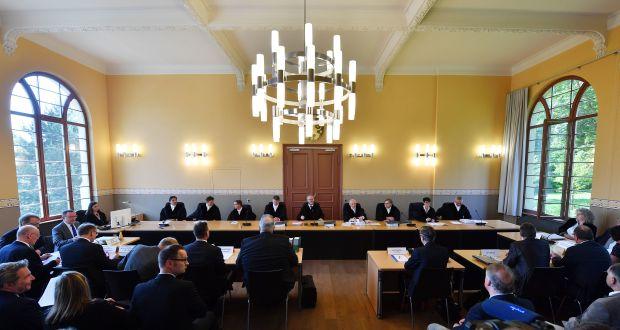 Im Sitzungssaal des Thüringer Verfassungsgerichtshofs in Weimar erlitt das Paritätsgesetz der rot-rot-grünen Landesregierung im Juni eine Schlappe. (c) picture alliance / Martin Schutt/dpa-Zentralbild/dpa