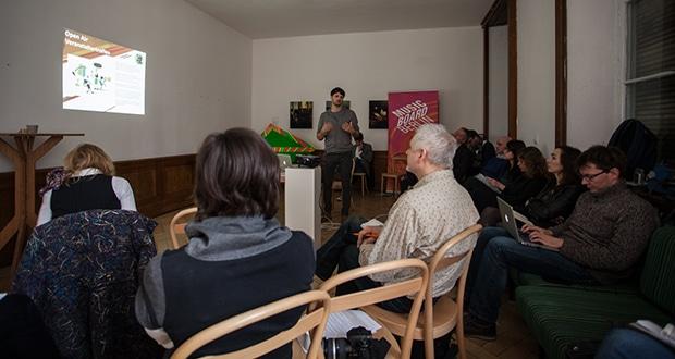Austausch vor der nächsten Freiluft-Saison: Lutz Leichsenring moderiert im November 2013 ein Treffen von Open-Air-Veranstaltern.